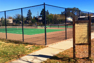Photo of tennis courts at Larragoite Park